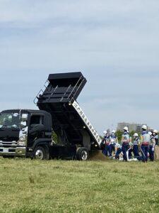 災害復旧協力会社のトラック